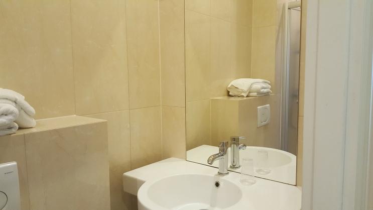 Bath room Single room